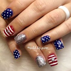 Dotted Of July Nails Design Best 18 of July Nails Art Ideas – Red Unicorn Green Nails, Blue Nails, Hair And Nails, My Nails, Funky Nails, Patriotic Nails, 4th Of July Nails, Toe Nail Designs, July 4th Nails Designs