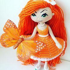#amigurumi #crochet #knitting #doll #crochetdoll #handmade #orange #амигуруми #вязание #вязаниекрючком #вяжутнетолькобабушки #вяжуназаказ #кукла #игрушкасвоимируками Чем пахнет Новый год? Правильно, мандаринками, а я с новой девочкой апельсинкой Связана на заказ. Рост яркой малышки 23 см, связана из хлопка, волосы - из акрила. Глазки вышиты мулине, а внутри проволочный каркас