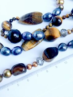 Notes of Klimt. Tiger's eye, Gray Pearl and Agate Statement Necklace Large Pearl Grey, Klimt, Timeless Elegance, Statement Necklaces, Beautiful Necklaces, Agate, Beaded Bracelets, Notes, Deep