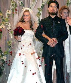 carmen electra wedding flowers