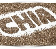Let's talk about chia seeds. Now don't just think of those chia pets (which happen to make fabulous white elephant gifts). Think chia seeds and the health benefits of those little black seeds. Yes, they might be tiny but they are powerful little seeds. Chia Benefits, Health Benefits, Health Diet, Health And Wellness, Wellness Tips, Health Coach, Health Fitness, Vitamin B17, Flat Belly Foods