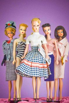 vintage barbie dolls, love them ! I never really got a Barbie just a knock-off to her. Loved to play baby dolls too when younger. Play Barbie, Barbie I, Barbie World, Barbie And Ken, Barbie Clothes, Barbie Outfits, Barbie Party, Barbie Style, Madame Alexander