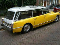 Gele DS, #Citroën maakte ze vroeger toch wel heel leuk...