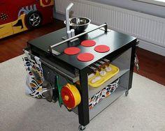 Ideas para tunear una mesa Lack de Ikea para habitaciones infantiles
