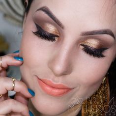 Maquiagem Primavera Verão 2016  com Fascínio Vintage Eudora delineado cintilante com sombra dourada e batom coral clarinho