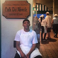 This gentleman told my friends and me the history of the cafe and hopes his daughter sees him on IG.  I do too... Serving beignets coffee and chicory since 1862.  Delicious... #cafedumonde #beignets #coffeeandchicory #neworleans #frenchquarter #streetscene by frances_percene