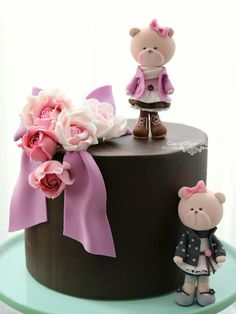 The sweeeetest cake!!!!