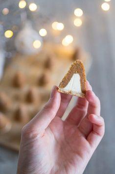"""SUGARTOWN: Perníkovo-karamelová vosí hnízda s vlašskými ořechy/Gingerbread, caramel and walnut christmas cookies called """"bee hive"""" or """"wasp nest"""""""
