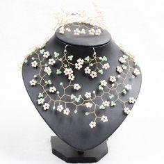 Купить Необычные дизайн белый и зеленый нефрит   как кристалл отрасль форма комплект ювелирных изделий ( ожерелье серьги и браслет соответствие )и другие товары категории Ювелирные наборыв магазине Lucky Fox JewelryнаAliExpress. Ювелирные наборы