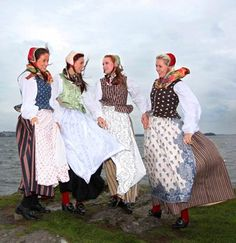 4 suits reconstructed according to old garments from Ryfylke Folk Costume, Costumes, Swedish Style, Scandinavian Art, Daily Dress, Bridal Crown, My Heritage, Fashion Dresses, Culture