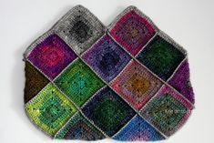 Mindig is elbűvölve néztem a Noro fonalak hihetetlen színvilágát, harmónia és elegancia árad ezekből a fonalcsodákból. Most alkalmam nyílt ...