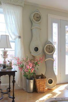 Maison Decor: Paris Grey Chalk Paint for a Mora Clock
