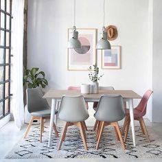 Rosas, azules y demás tonos pastel se suman al tan omnipresente gris y blanco. Es el nuevo estilo nórdico. Quizá más dulce pero igual de acogedor. Te damos todas las claves para aplicarlo en la web (link directo en bio) y piezas únicas en la revista en el quiosco.  #homeinspo #architectureanddesign #interiordesign #decorporn #decoraciondeinteriores #estilonordico #nordicstyle #revistainteriores