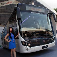 Jakarta, Suarapemred.com –  PT United Tractors Tbk (UT),  memperkenalkan bus Scania Aerobus untuk pasar bus feeder  dan apron di Indonesia.