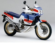 #bikes #motorbikes #motorcycles #moto #motocicleta Honda Africa Twin XRV 650