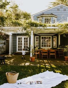 Style At Home, Future House, House Goals, Cozy House, Cottage House, My Dream Home, Home Fashion, Exterior Design, Outdoor Spaces