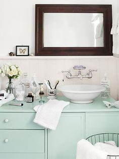 Great idea: Turn a vintage sideboard into a washbasin.