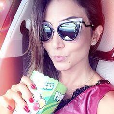 Lala Noleto usou seu Fendi Orchidea para curtir um dia de sol em grande estilo! #fendi #sunglasses #lalanoleto #sol #oculos #oticaswanny