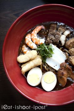 Lor Mee - Distinguished by its signature thick, dark and starchy sauce, Lor Mee is a Hokkien dish that was brought over to Singapore from Xiamen, China in the 1950s.