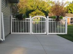 Great fence idea for side yard from Wambamfence.com