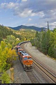 RailPictures.Net Photo: BNSF 8086 BNSF Railway GE ES44C4 at Jennings, Montana by Bill Edgar