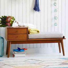 décoration de couloir : idée de banc d'entrée en bois par Westelm