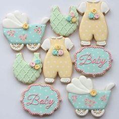 Biscoitos Decorados - roupinhas de bebê