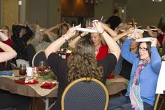 paper plate game for Christmas parties  @Jennifer Morgan @Kari Long- Have you guys seen this? Maybe an idea for Iwoman Xmas party?
