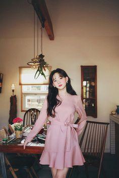 Plain Dress, How To Look Classy, Dream Dress, Fashion Outfits, Womens Fashion, Cute Dresses, Cute Girls, Korean Fashion, Pink