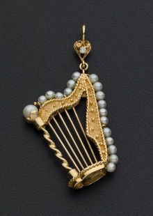 Vintage Pearl & Gold Harp Brooch. ... Estate JewelryBrooches - |