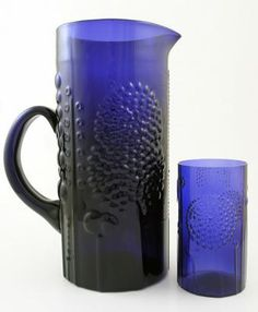 Flora: pitcher 1676 and tumbler Toikka, Oiva, Nuutajärvi Ceramic Tableware, Glass Ceramic, Cobalt Glass, Cobalt Blue, Vintage Kitchenware, China Art, Glass Design, Retro, Scandinavian Design