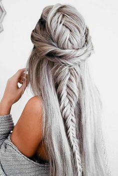 Expert Hair Care Tips For Any Age. Your hair might be your worst enemy, but it does not have to be! You can reclaim your hair with a little research and effort. First, identify your hair typ Pretty Hairstyles, Braided Hairstyles, Wedding Hairstyles, Hairstyle Ideas, Unique Hairstyles, Easy Homecoming Hairstyles, Holiday Hairstyles, Dreadlock Hairstyles, Hairstyles 2018