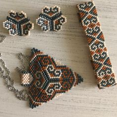 #miyuki #miyukibeads #delica #kolye #kupe #bileklik #miyukibeads #miyukibracelet #miyukidelica #miyukiaddict #miyukiearring #miyukikolye #miyukibileklik #handmade #brown Loom Bracelet Patterns, Bead Loom Bracelets, Beaded Jewelry Patterns, Peyote Patterns, Bead Loom Designs, Hand Jewelry, Bead Art, Bead Weaving, Loom Bracelets