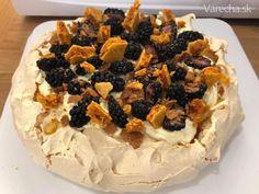 Pavlova torta s citrónom, levanduľou a medom (fotorecept) - Recept Pavlova, Macarons, Cheesecake, Pie, Food, Fotografia, Torte, Cake, Cheesecakes