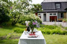 Elsa Billgrensblogg på Elle.se Elsa, Table Decorations, Furniture, Home Decor, Decoration Home, Room Decor, Home Furnishings, Home Interior Design, Dinner Table Decorations