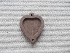Sydän muotoinen puinen korulinkki  Puinen täytettävä korulinkki kehys, Puinen korulinkkipohja 1 p unfinished heart-shaped pendant base with wooden 2 loop,jewellery base, blank pendant base,heart resin tray,wooden heart connector