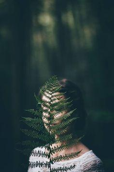 30 Ethereal Female Portrait Beispiele - beauty that makes my soul wonder - Fotografie Photo Portrait, Creative Portrait Photography, Conceptual Photography, Girl Photography Poses, Landscape Photography, Flower Photography, Photography Backdrops, Digital Photography, Photography Camera