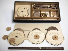 The PrimoGraf is a hand cranked drawing machine. Using wooden gears with prime number based gears an infinite array of drawings can be made. Cnc Projects, Projects To Try, Drawing Machine, Mechanical Art, Geometric Drawing, Science Toys, Kinetic Art, Tin Toys, Wood Toys