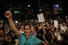 [VIDEO] Hong Kong activists start 'Occupy Central' protest   http://www.washingtonpost.com/world/asia_pacific/hong-kong-activists-start-occupy-central-protest/2014/09/27/95f4051c-468c-11e4-b437-1a7368204804_story.html   Leaders of a Hong Kong pro-democracy movement kicked off a long-threatened mass civil disobedience protest early Sunday to challenge Beijing over its recent...  RELATED…