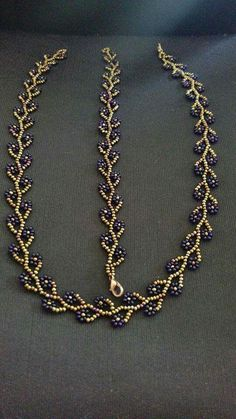 This Pin was discovered by mua Sidonia's handmade jewelry - How to bezel an drop cabochon Seed Bead Necklace, Seed Bead Bracelets, Seed Bead Jewelry, Bead Jewellery, Diy Necklace, Necklaces, Pearl Bracelet, Pendant Necklace, Beaded Necklace Patterns