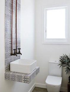 Carrelage WC déco style rétro noir et blanc