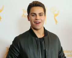 Jake t austin dating a fan quits fosters