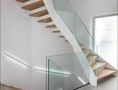 Unique HPL Treppe mit LED Beleuchtung und Ganzglasgel nder
