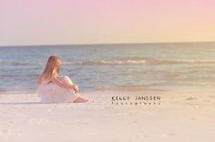 Anna Maria Island photographer-child on beach