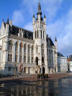 Sint-Niklaas Town Hall (1876-1878). Sint-Niklaas, Oost-Vlaanderen, Belgium.