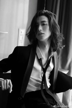 Androgynous Haircut, Androgynous Models, Androgyny, Pose Reference Photo, Hair Reference, Beautiful Men, Beautiful People, Man Photography, Aesthetic People
