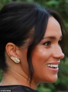 Meghan Markle and Prince Harry arrive at Misha Nonoo's sunset Rome wedding Harry And Meghan News, Prince Harry And Megan, Kate Middleton, Prinz Harry Meghan Markle, Peach Gown, Sussex, Princess Meghan, Meghan Markle Style, Princess Eugenie