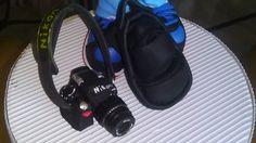 camara de foto realizada en goma eva y pintada a mano. Detalle asi mismo de la mochila en goma eva elenamartinlopez.blogspot.com