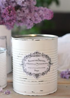DIY Vintage French Recycled Tin Cans! Vintage Images, DIY Tutorials & Craft ProjectsDIY Vintage French Recycled Tin Cans! Aluminum Can Crafts, Tin Can Crafts, Painted Tin Cans, Paint Cans, Recycled Tin Cans, Recycled Crafts, Tin Can Art, French Typography, Etiquette Vintage