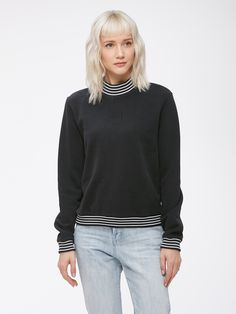 Relaxed fit mock neck pullover fleece. Comes in a soft brush back fleece. Yarn-dyed rib detail and small OBEY embroidery at chest. Content: 80% Cotton / 20% Polyester